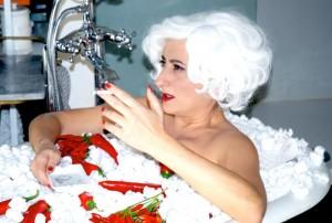 """Lucianna de Falco - """"Alla donna indaffarata che la cucina l´ha dimenticata!"""""""