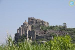 """Al Castello Aragonese di Ischia il """"Guitar Duo"""" Colombo-Di Pinto"""