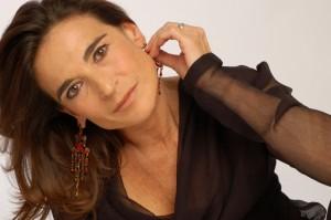 Il lavoro, la democrazia in vendita e il viaggio-spettacolo di Lina Sastri ad Ischia
