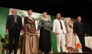 Standing ovation per i Luna Nova in scena a Ischia con il teatro di Eduardo
