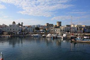 """Ischia - La """"Nave dell'Arte"""" al Porto di Forio"""
