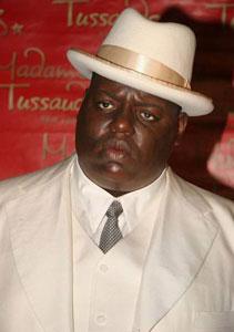 Ischia - Il 14 luglio Arriva Notorious, il film sul rapper killer in smoking blu e 4 proiettili